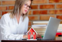 Wie werde ich Immobilienmakler